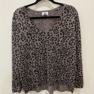 Old Navy leopard v-neck sweater